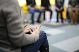 Informer, sensibiliser et prévenir la société pour lutter contre la stigmatisation